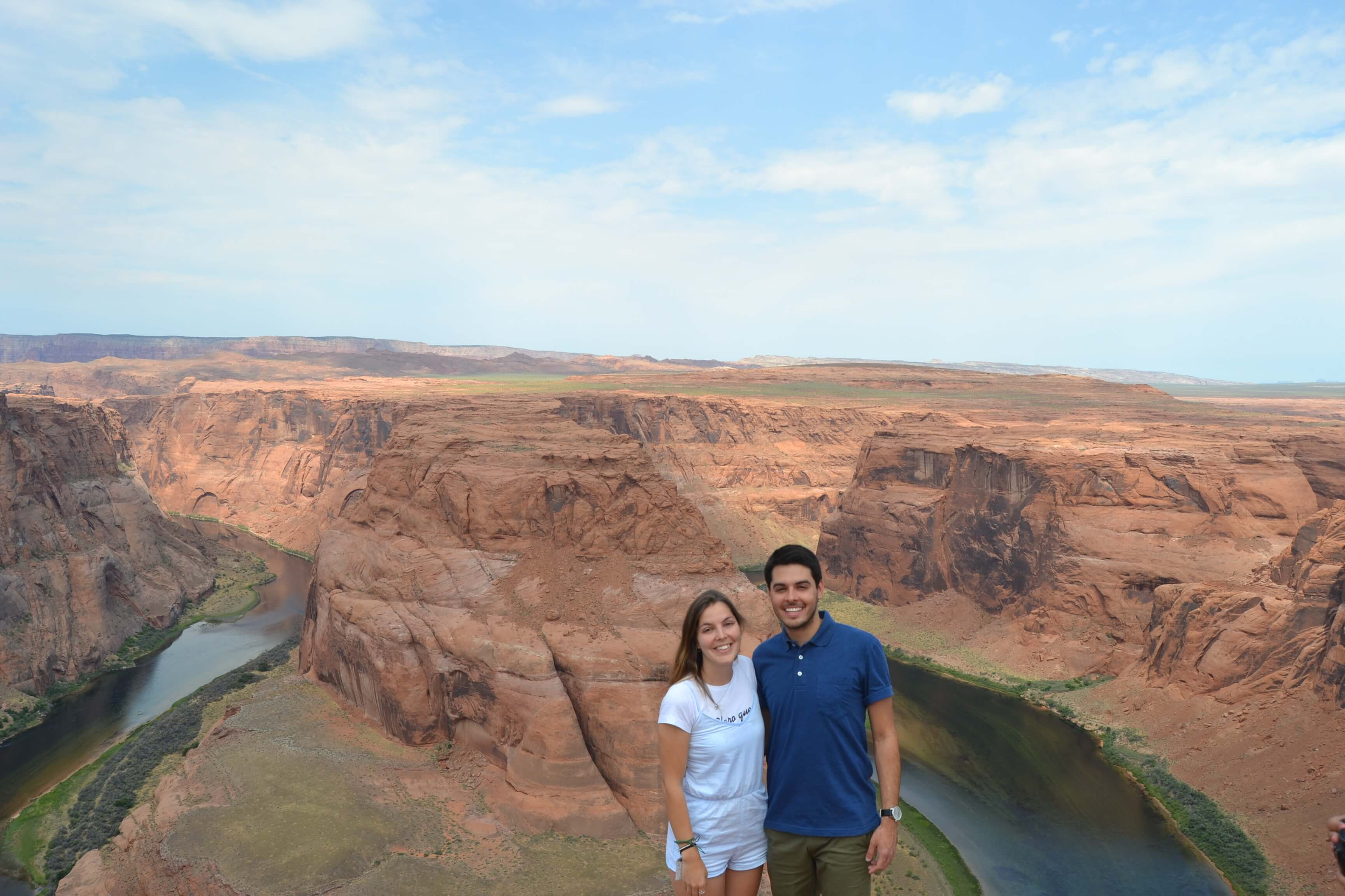 Brenda y su novio en Horseshoe Bend Arizona